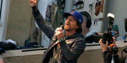 Pearl Jam's Eddie Vedder Jams With Street Performers - #UD 1